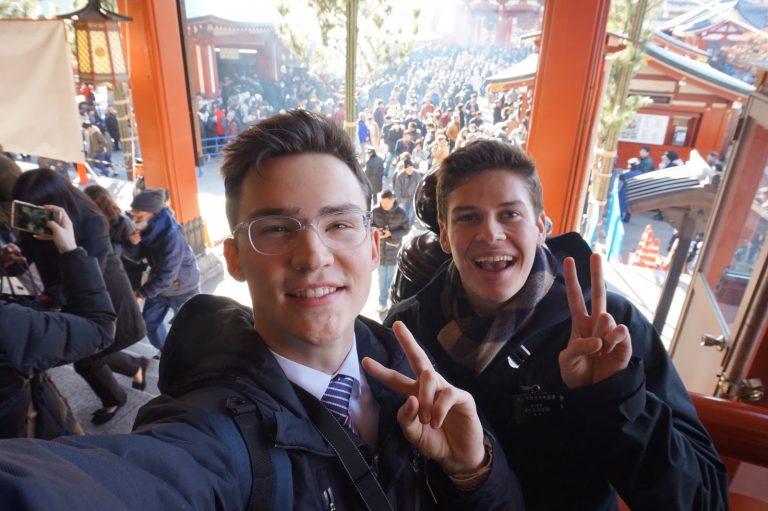 Hallo Streamer Spotlight: Devin   From Japan to the Whole World